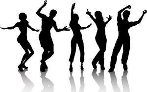 bailando_en_una_fiesta-9482