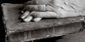 7288-womans-hands_bible_bw-630w-tn